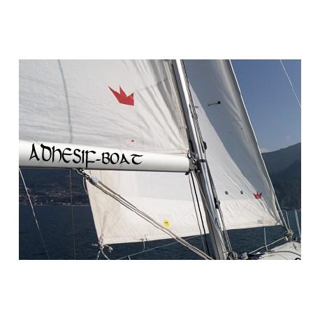 Nom de bateau sur la bôme